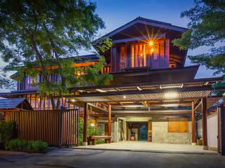 บริษัท สถาปนิกชุมชนและสิ่งแวดล้อม อาศรมศิลป์ จำกัด Rumah Gaya Country Kayu Brown