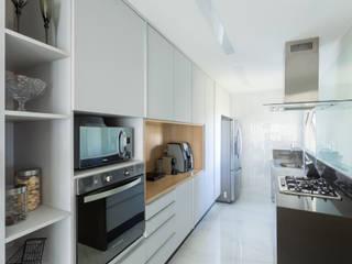 Dapur Minimalis Oleh Haruf Arquitetura + Design Minimalis