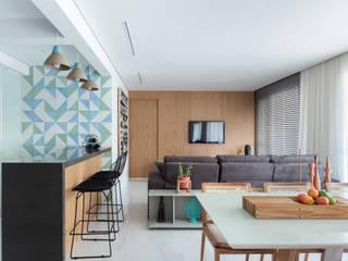 Apartamento FP Salas de estar escandinavas por Haruf Arquitetura + Design Escandinavo