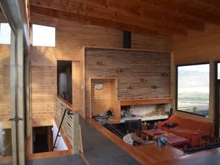 BLAC arquitectos Salones mediterráneos Madera Acabado en madera