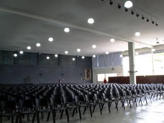 Institucional Bauru/SP: Locais de eventos  por Santos e Delgado Arquitetura e Construções