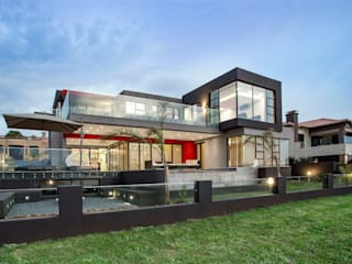 Ultra modern : modern Houses by FRANCOIS MARAIS ARCHITECTS