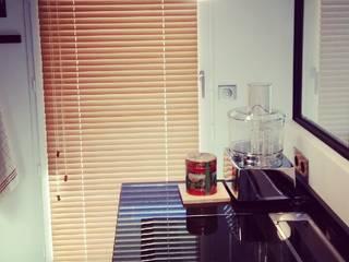 Appartement avec Terrasse à Vincennes: Cuisine de style  par Agence KP