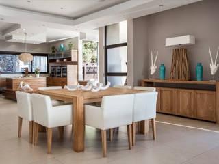 Wonderful in wood Modern dining room by FRANCOIS MARAIS ARCHITECTS Modern
