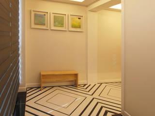 Couloir, entrée, escaliers modernes par 라움 디자인 Moderne