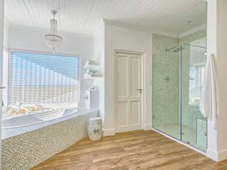 Baños de estilo ecléctico de House Couture Interior Design Studio Ecléctico