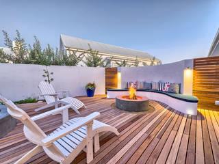 Terrazas de estilo  por House Couture Interior Design Studio
