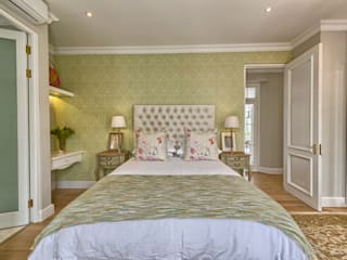 Saffraan Ave:  Bedroom by House Couture Interior Design Studio, Eclectic
