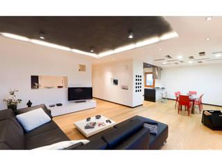 SANSON ARCHITETTI 现代客厅設計點子、靈感 & 圖片