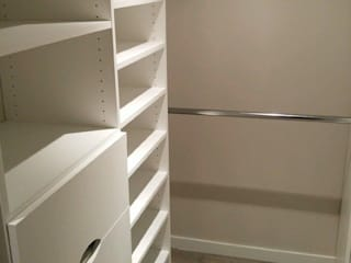 Bedroom by Space Age Custom Closets & Cabinetry,