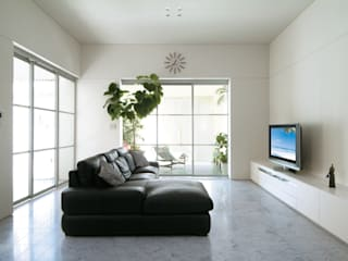 TWO TONE | 高級注文住宅: Mアーキテクツ|高級邸宅 豪邸 注文住宅 別荘建築 LUXURY HOUSES | M-architectsが手掛けたリビングです。,
