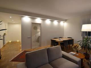 Residenza a Varese: Soggiorno in stile in stile Moderno di Be.St Architetti