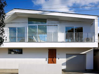 TAMAI ATELIER Modern houses White