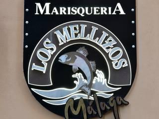 LOS MELLIZOS MÁLAGA: Comedores de estilo  de Antiqva