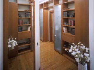 Коридор: Прихожая, коридор и лестницы в . Автор – Эдуард Григорьев (daproekt)