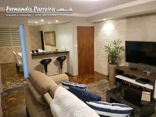 Sala de TV nova com mini bar:   por Fernando Parreira Arquitetura