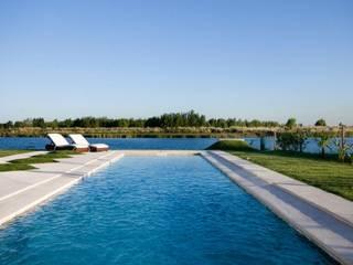 Moderne Pools von CIBA ARQUITECTURA Modern