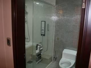 Badezimmer von DECORIAN, Modern