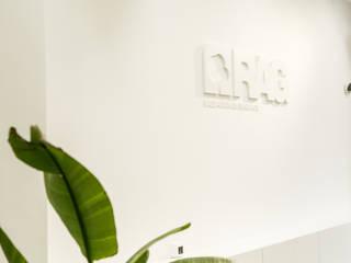 Rag Mediadores de Seguros Oficinas y tiendas de estilo moderno de MAKEART Moderno