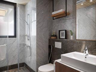 Bathroom by 木皆空間設計