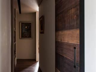 木皆空間設計 Pasillos, vestíbulos y escaleras industriales