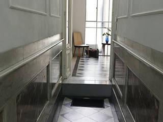 ทางเดินสไตล์คลาสสิกห้องโถงและบันได โดย Isabel Amiano Arquitectura คลาสสิค