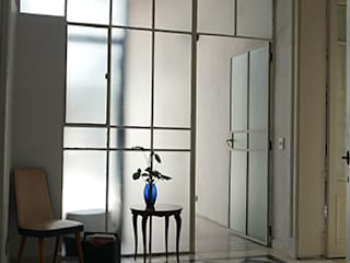 Corridor & hallway by Isabel Amiano Arquitectura, Classic
