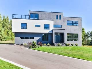 Case moderne di ARPA architects Inc. Moderno
