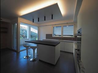 PA-House - cucina:  in stile  di LASAstudio