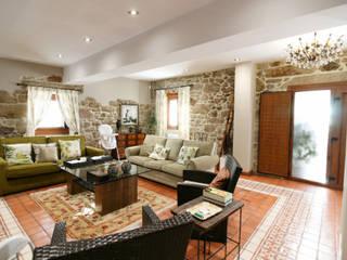 Vista del salón: Salones de estilo  de NAM ARQUITECTOS SLP