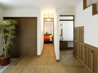 ROMAN stage Y's 一級建築士事務所 モダンスタイルの寝室 木 白色