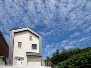 하우스 시:적(時:積): 건축사사무소 재귀당의  복도 & 현관