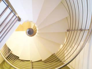 Гостиная в стиле модерн от Architetto Luigi Pizzuti Модерн