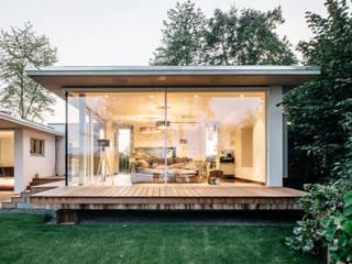 Moderne woonkamers van Burckhardt Metall Glas GmbH Modern