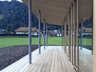 Varandas, marquises e terraços modernos por BESTO ZT GMBH_ Architekt DI Bernhard Stoehr Moderno
