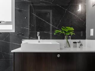 Hotspot 105: Banheiros  por Tiago Rocha Interiores