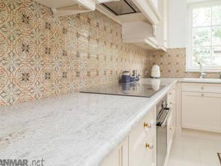GRANMAR Borowa Góra - granit, marmur, konglomerat kwarcowy Cocinas de estilo clásico Granito