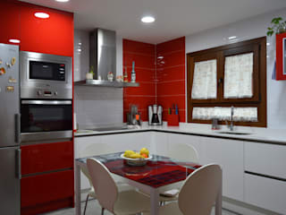 Modern Kitchen by Estudio de Cocinas Musa Modern