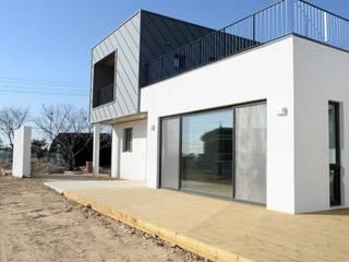 Rumah oleh 경피리 건축발전소, Modern