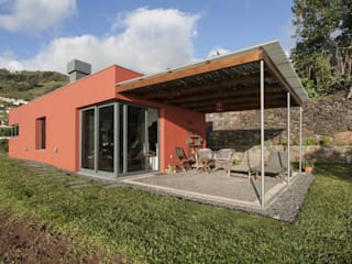 Minimalist houses by Mayer & Selders Arquitectura Minimalist