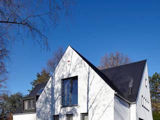 Haus Ku. Moderne Häuser von Lioba Schneider Modern