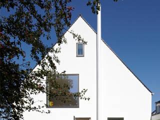 Haus MF Moderne Häuser von Lioba Schneider Modern