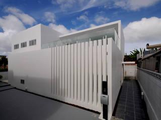 Modern houses by 門一級建築士事務所 Modern