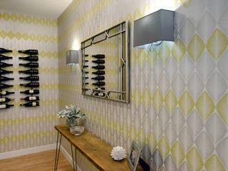 Couloir et hall d'entrée de style  par Mel McDaniel Design