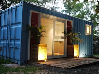 Eclectic style houses by Casa Container Marilia - Barros Assuane Arquitetura Eclectic Metal