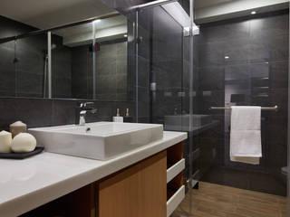 Bathroom by 合觀設計