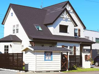 Casas de estilo colonial de 株式会社エクスリーフ Colonial