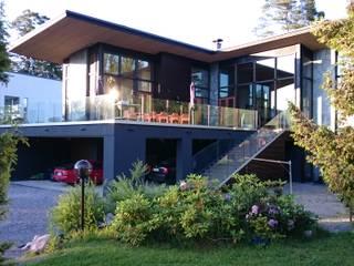 Posi Glaze Frameles Glass Balustrade: scandinavian Houses by Pure Vista Ltd