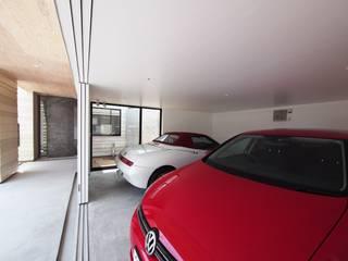 イシウエヨシヒロ建築設計事務所 YIA Garajes dobles Concreto Blanco