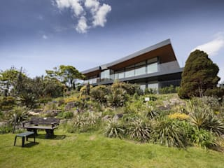 Wick Lane, Christchurch. Modern home by Jigsaw Interior Architecture Modern